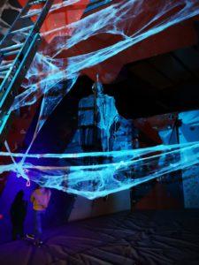 dark side of the bloc - halloween - salle d'escalade de bloc- restaurant - bar - soirée dans le noir - Saint Quentin en Yvelines - à vertical'art
